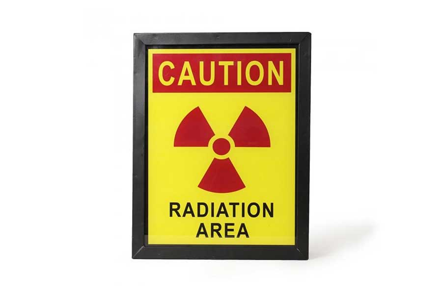 cartel-peligro-zona-radiacion